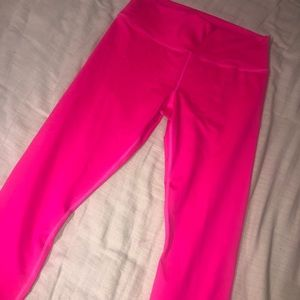NWT High waist Fabletics Capri leggings